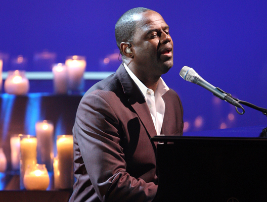 Singer Brian McKnight performs onstage at the 2008 ALMA Awards a